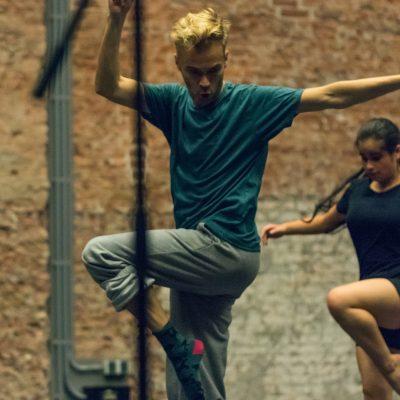 'Het gaat niet om pasjes kopiëren, maar om de vraag: wat heb jíj te bieden?' | Holland Dance Festival Bootcamp On Stage